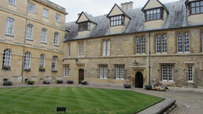2019 Oxford Trinity College (5)